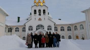 День православной молодежи наприходе Успенского кафедрального собора города Коломны