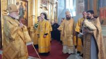 Служение митрополита Крутицкого иКоломенского Павла вУспенском кафедральном соборе